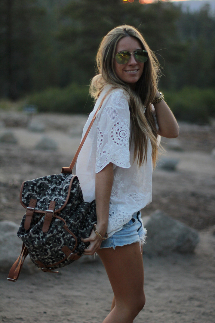 Fashion blogger Monica Sors at Yosemite park (1)