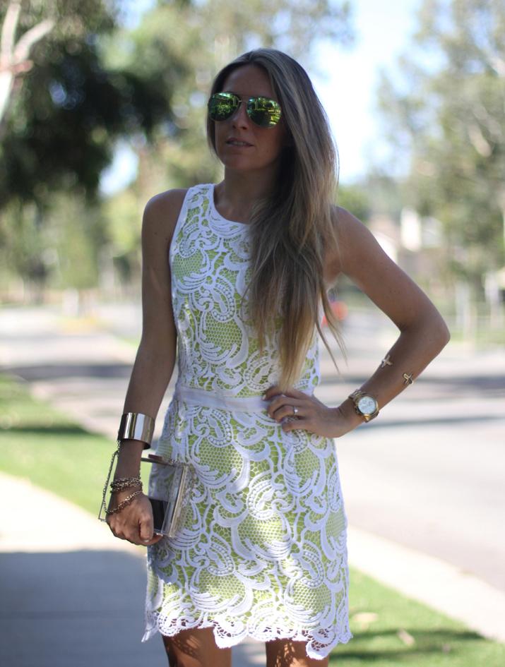 Revolve Lace little white dress fashion blog Mes Voyages a Paris by Monica Sors (2)
