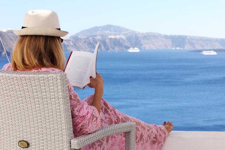 Santorini_honeymoon-Monica_Sors-15