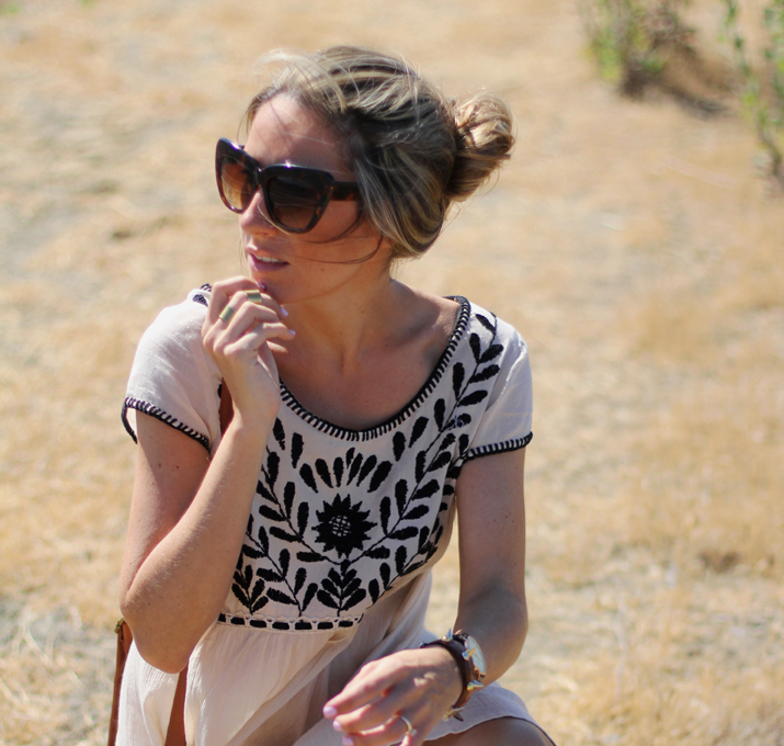Cat eye sunglasses fashion blogger Monica Sors