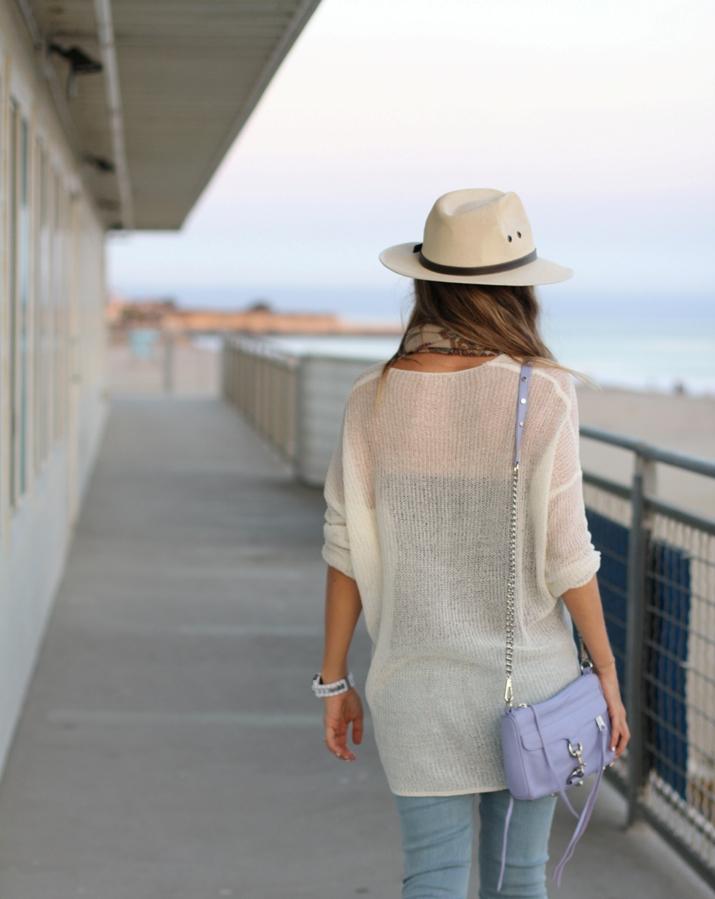 Fashion blogger wearin jeans (1)2