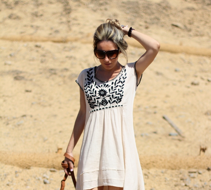 Ivory dress fashion blogger Monica Sors California (1)