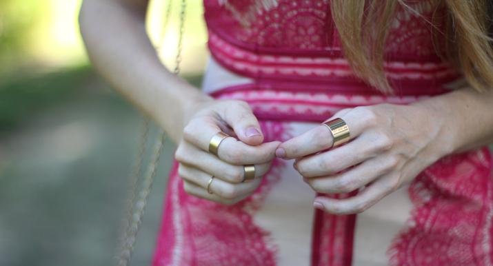 Lace dress blogger Monica Sors (1)