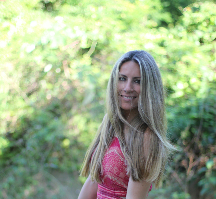 Lace dress blogger Monica Sors (6)