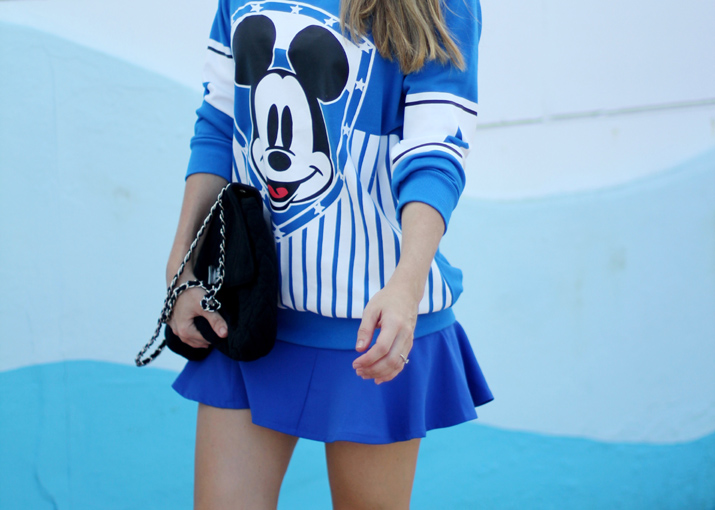 Mickey sweatshirt outfit (1)