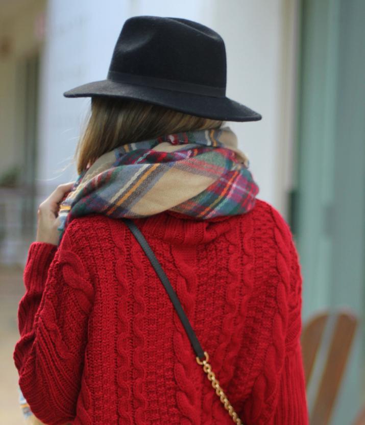 Tartan scarf blogger