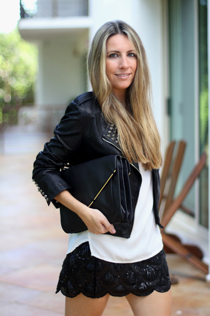 outfit sequins skirt by fashion blogger monica sors
