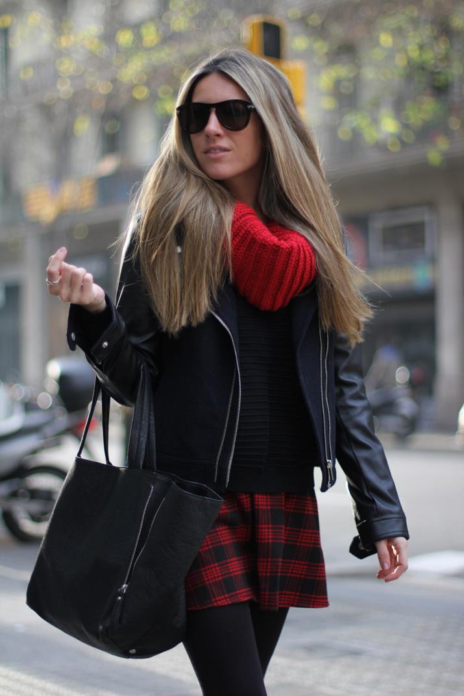 red tartan skirt (1)