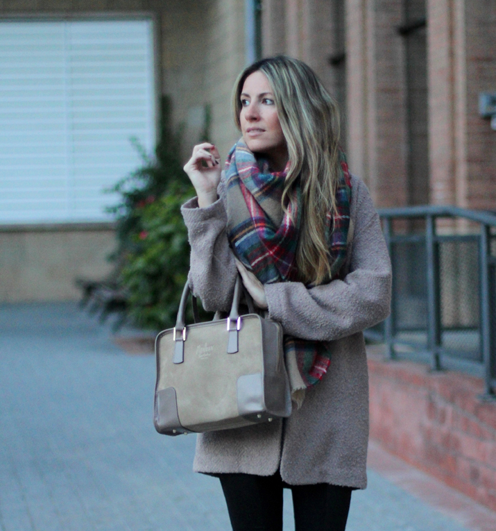 Camel coat blogger (1)