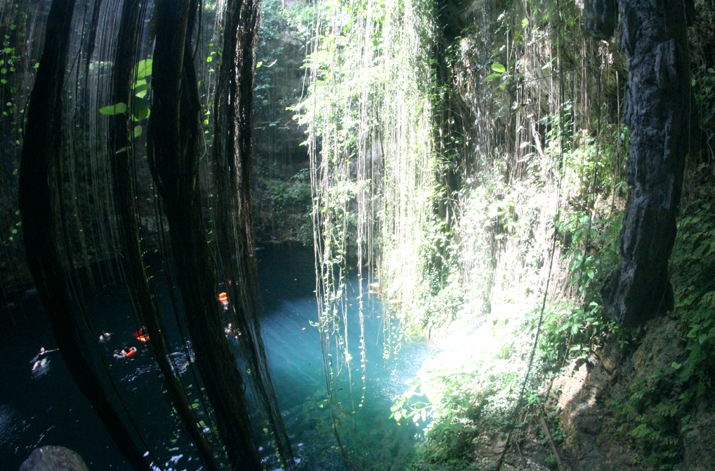 Ik_kil-cenote-Riviera-Maya-Cancun-Caribe-Mexico_blogger (6)