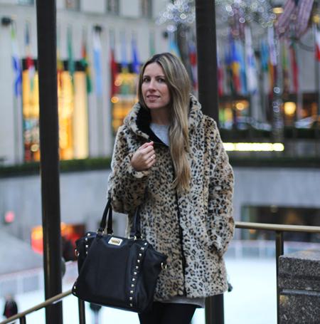 Leopard coat blogger (1)