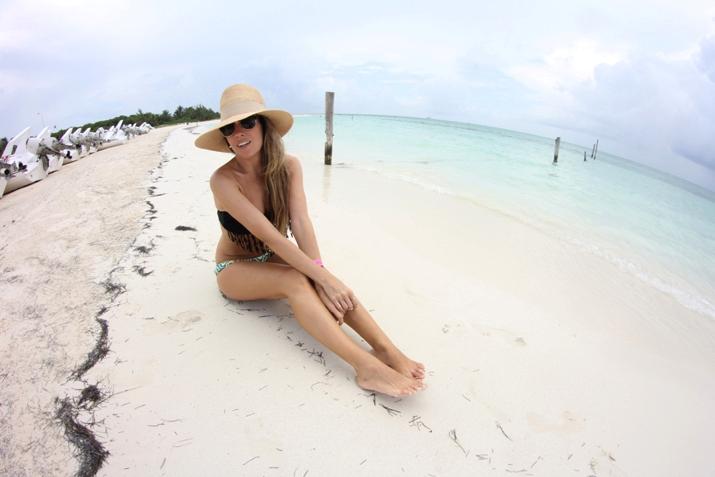 Monica-Sors-bikini-2013-31