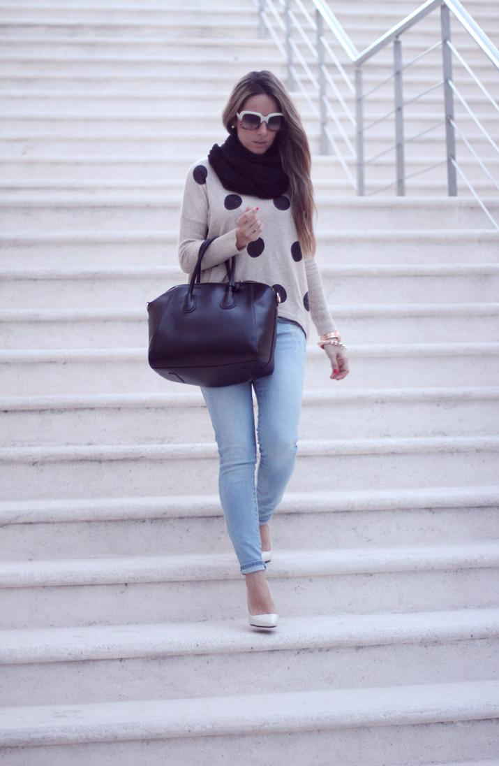 Monica-Sors-jeans-fashion-blog-Mes-Voyages-a-Paris-9