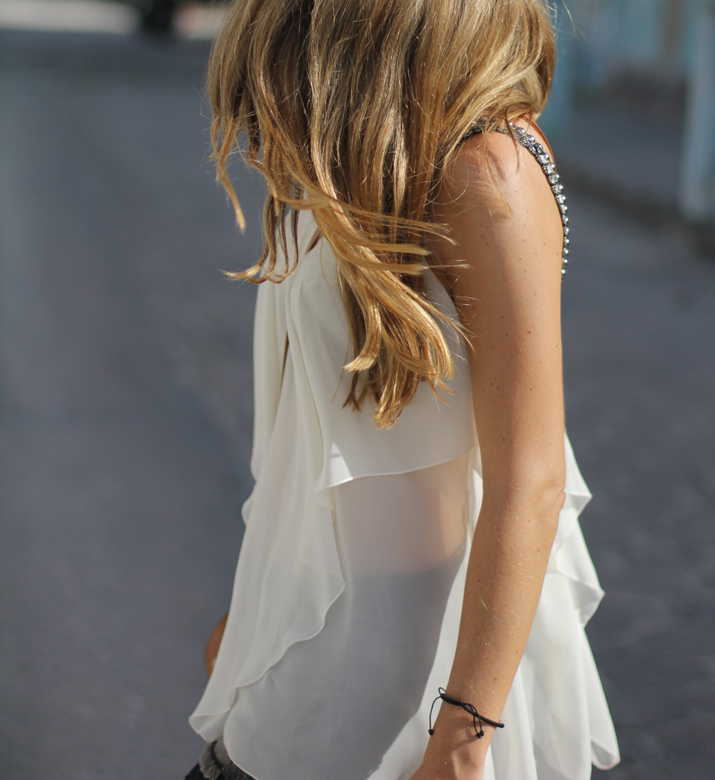 Resort_style-outfit_with_shorts-fashion_blog-blog_de_moda-street_style-san_pedro-Belize (24)