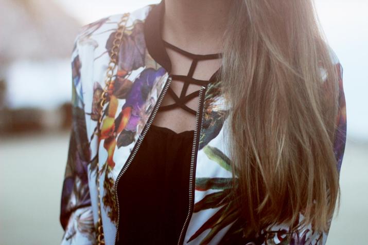 Sheinside-cutout_dresses-shopping_online-fashion_blog-trendy-outfits-black_dress (4)