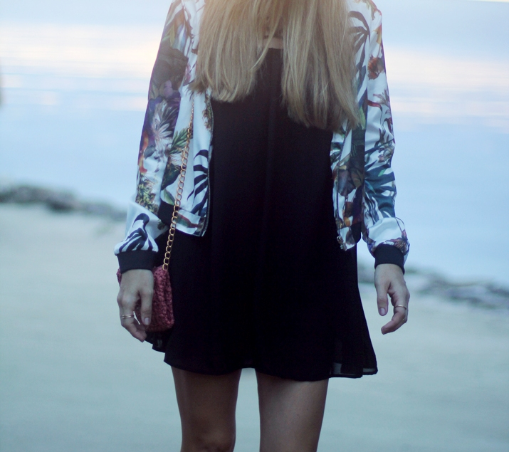 Sheinside-cutout_dresses-shopping_online-fashion_blog-trendy-outfits-black_dress (6)