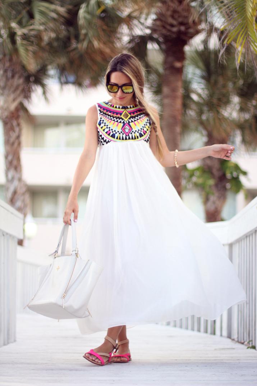 White-dress-+-Ethnic-details-Mes-Voyages-a-Paris-blog-4