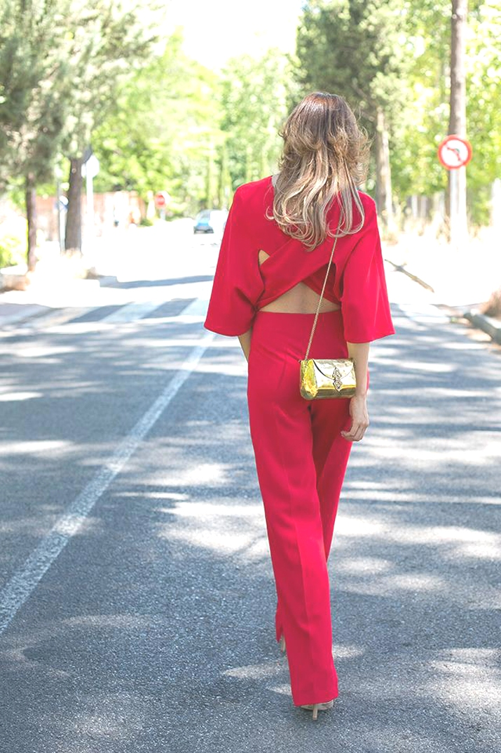 red-jumpsuit-L-bal5X4