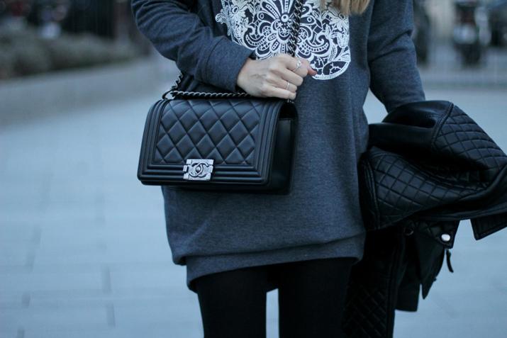 Boy_Chanel-bag-Sweat_dress-Baker_boy_cap-fashion_blogger(27)