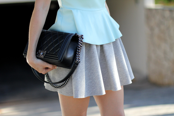 Boy_Chanel-sweat_skirt_Bershka-leather_peplum_top-Mesvoyagesaparis_blog (14)