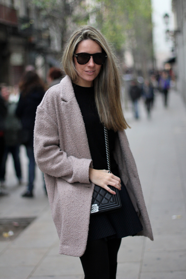 Boy_chanel-camel_coat-Zara-skirt-outfit-fashion_blogger-Monica_Sors-Mes_voyages_a_Paris (12)
