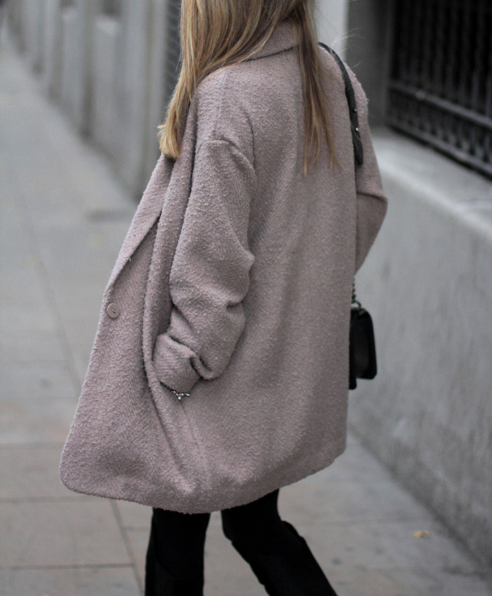 Boy_chanel-camel_coat-Zara-skirt-outfit-fashion_blogger-Monica_Sors-Mes_voyages_a_Paris (4)