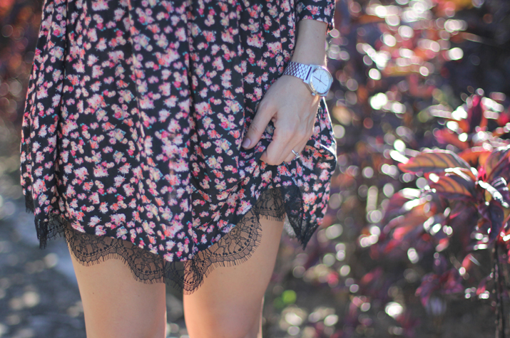 Flowers_and_lace_dress-pull_and_bear-fashion_blogger-Monica_Sors-Mexico (1)