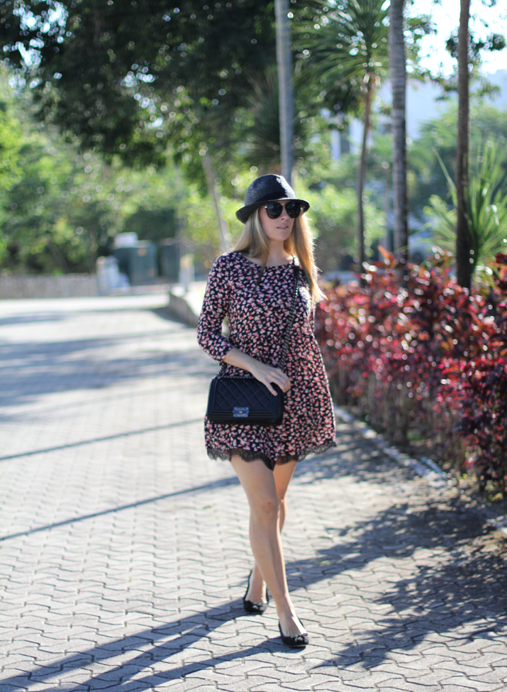 Flowers_and_lace_dress-pull_and_bear-fashion_blogger-Monica_Sors-Mexico (11)