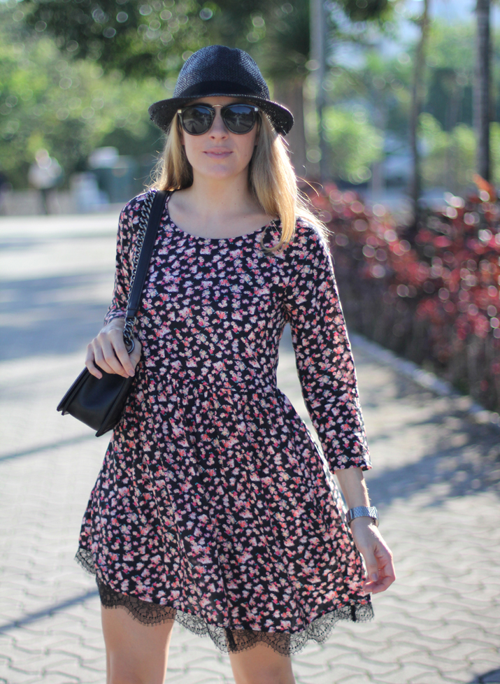 Flowers_and_lace_dress-pull_and_bear-fashion_blogger-Monica_Sors-Mexico (5)