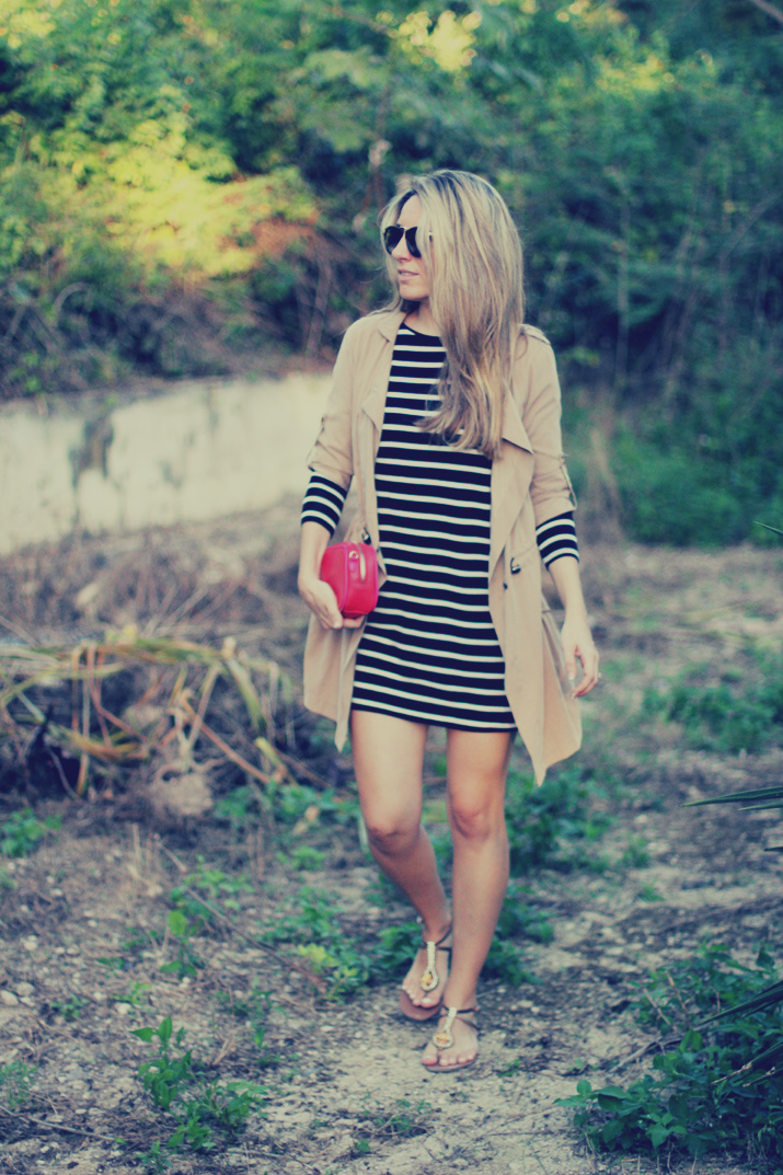 Navy_dress-outfit-fashion_blog-mesvoyagesaparis-street_style (6)