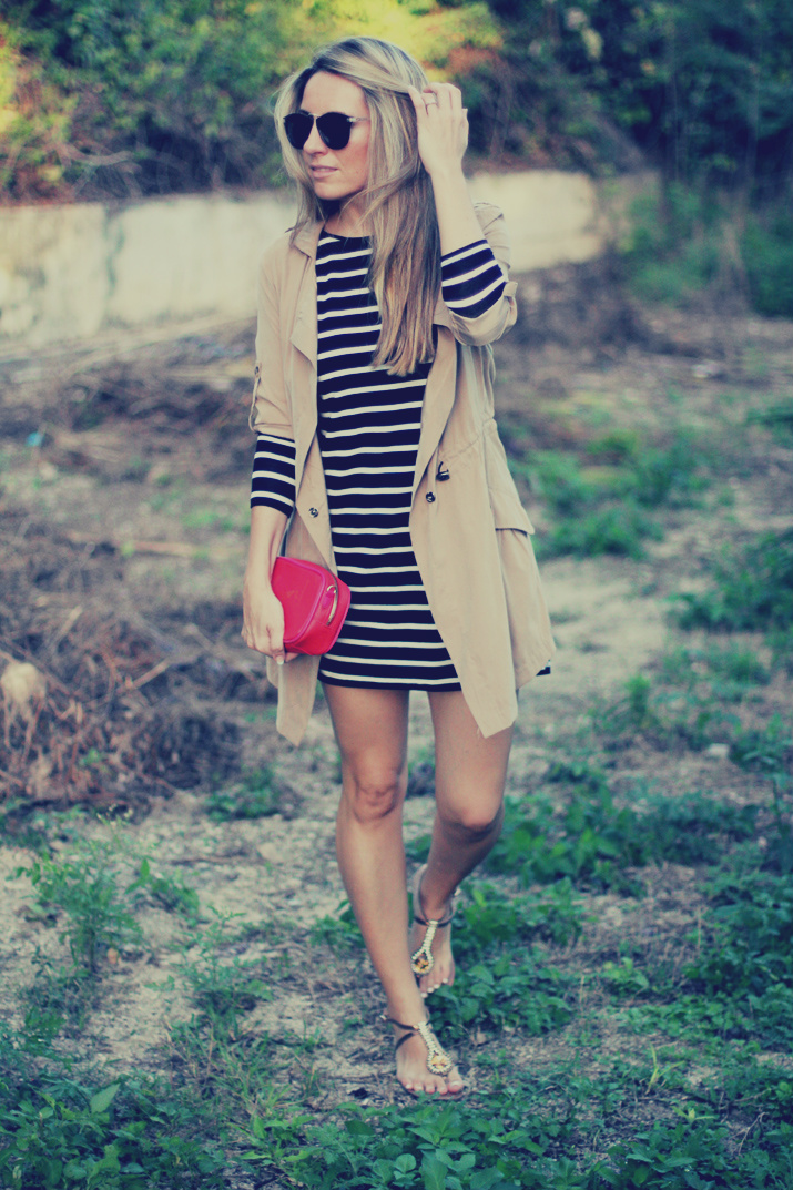 Navy_dress-outfit-fashion_blog-mesvoyagesaparis-street_style (7)