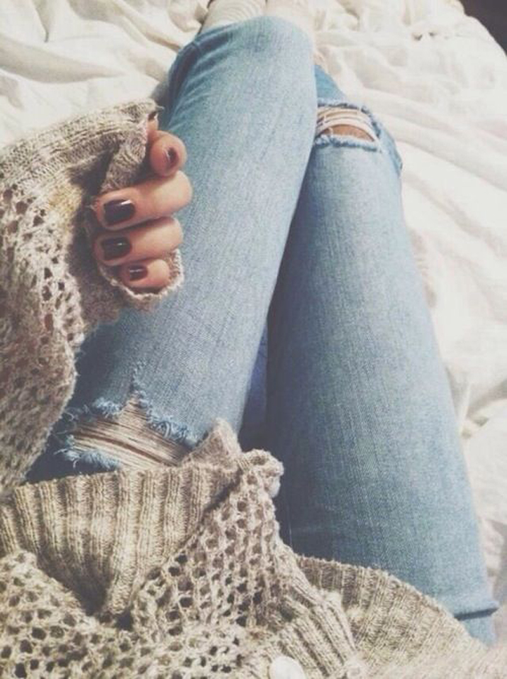 Ripped_jeans-outfit_con_jeans-trendy-street_style-fashion_blog (1)