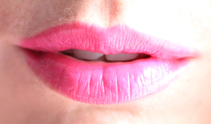 Soft sensation Lip Color Butter Ultra Vibrant color (1)