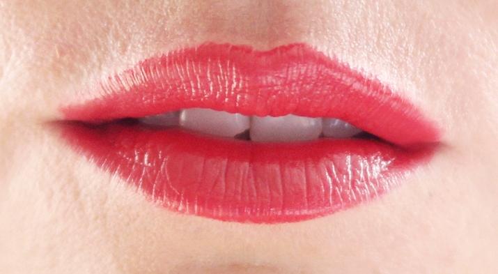 Soft sensation Lip Color Butter Ultra Vibrant color (12)1