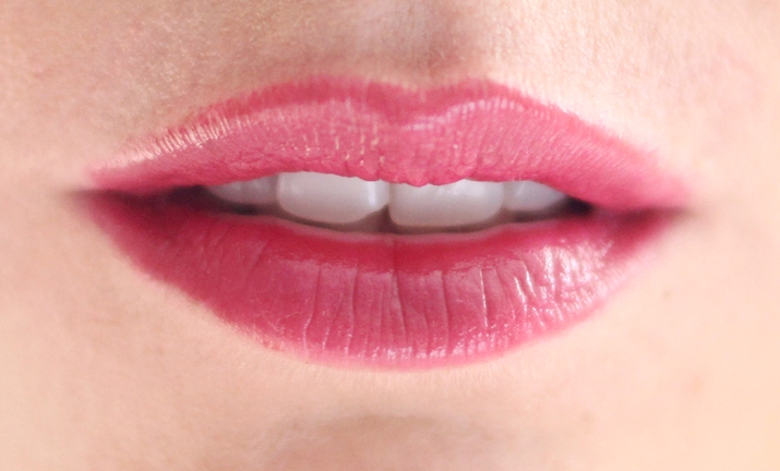 Soft sensation Lip Color Butter Ultra Vibrant color (8)1