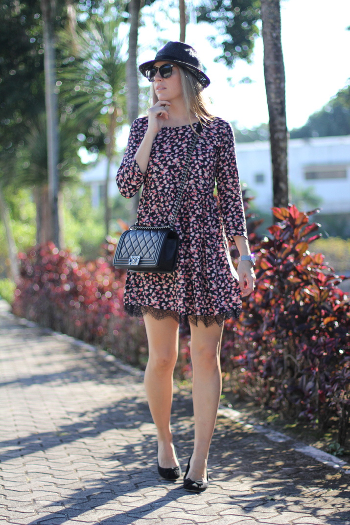 Spring_trends-Flowers_and_lace_dress-pull_and_bear-fashion_blogger-Monica_Sors-Mexico (8)