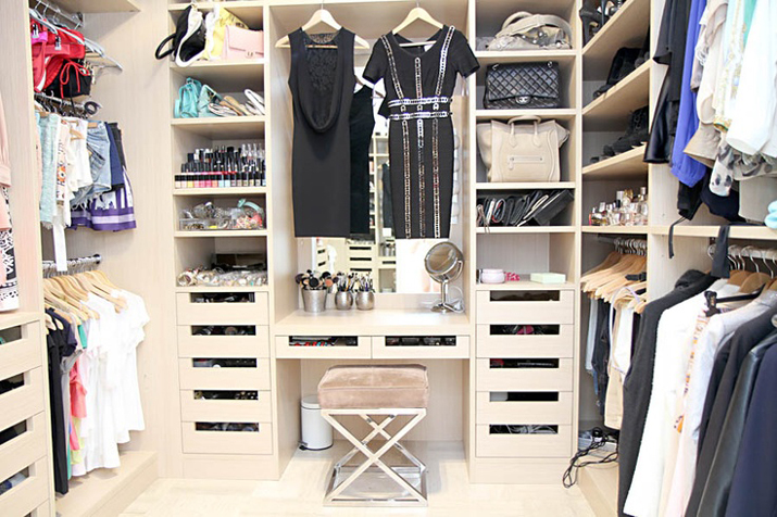 Walk_in_closet-dressing_room-dream_closets-inspiration-decoration-fashion_bloggers-mesvoyagesaparis (33)