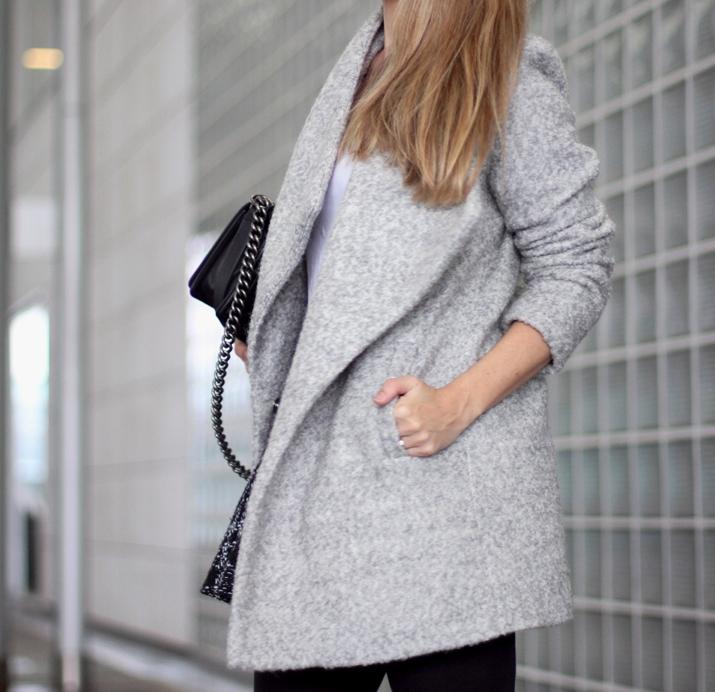 Barcelona_fashion_blog-Monica_Sors-Boy_Chanel-grey_coat-street_style (18)
