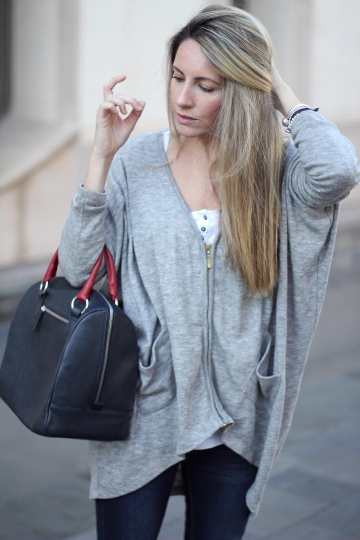 Fashion_blogger_Barcelona-Monica_Sors-outfit_jeans-Mattea_bags (11)