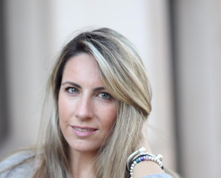 Fashion_blogger_Barcelona-Monica_Sors-outfit_jeans-Mattea_bags (12)