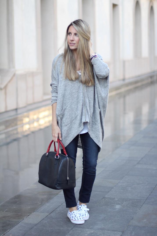 Fashion_blogger_Barcelona-Monica_Sors-outfit_jeans-Mattea_bags (5)