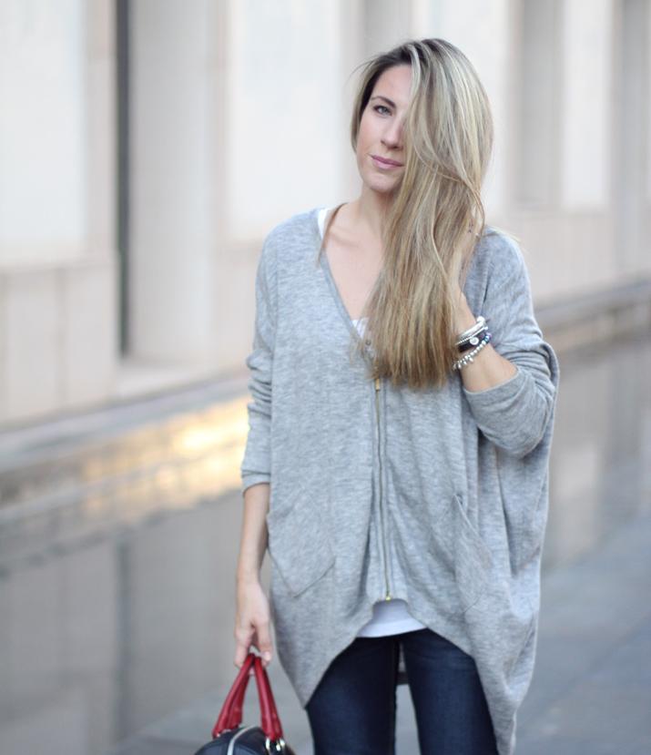 Fashion_blogger_Barcelona-Monica_Sors-outfit_jeans-Mattea_bags (9)