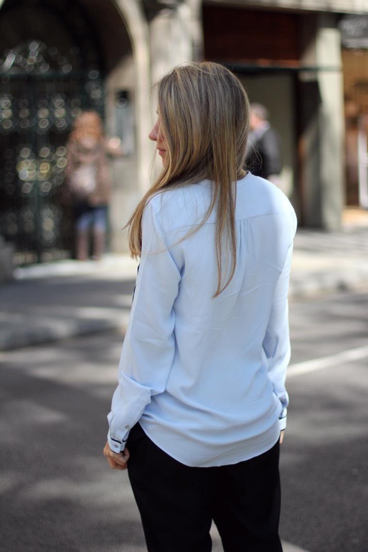 Monica_Sors-blue_shirt-Zara-Street_Style (13)