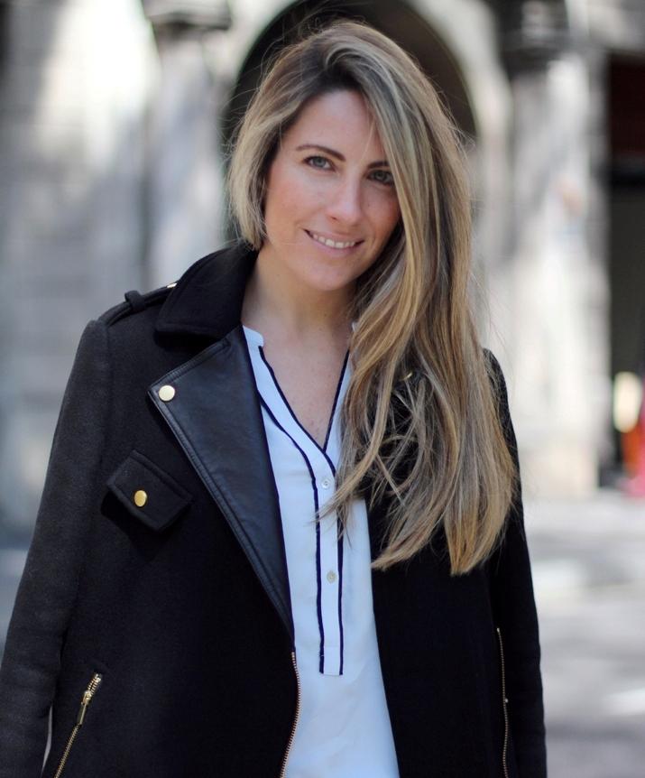 Monica_Sors-blue_shirt-Zara-Street_Style (14)