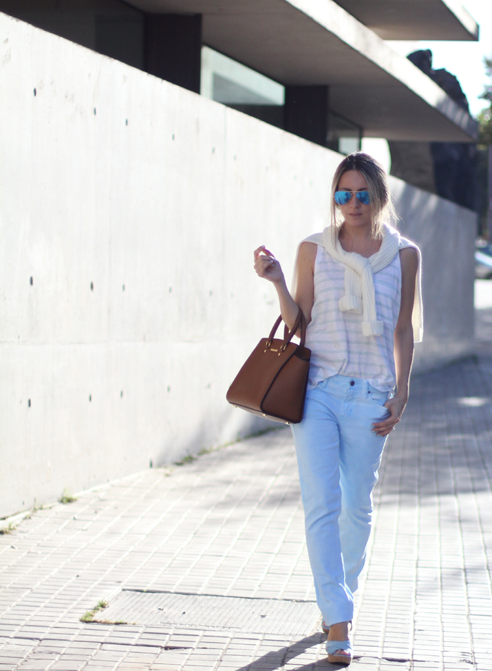 baby_blue-outfit-Fashion_blogger_Barcelona-Monica_Sors (7)