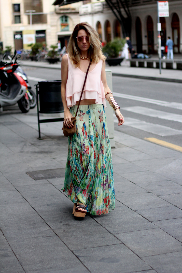 Fashion_blogger_Barcelona-cuines_Santa_Caterina-long_skirt-outfit-streetstyle (10)