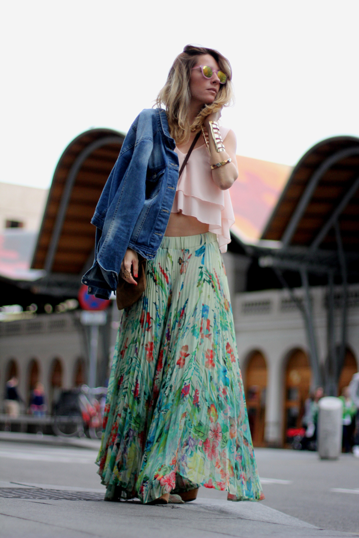 Fashion_blogger_Barcelona-cuines_Santa_Caterina-long_skirt-outfit-streetstyle (3)