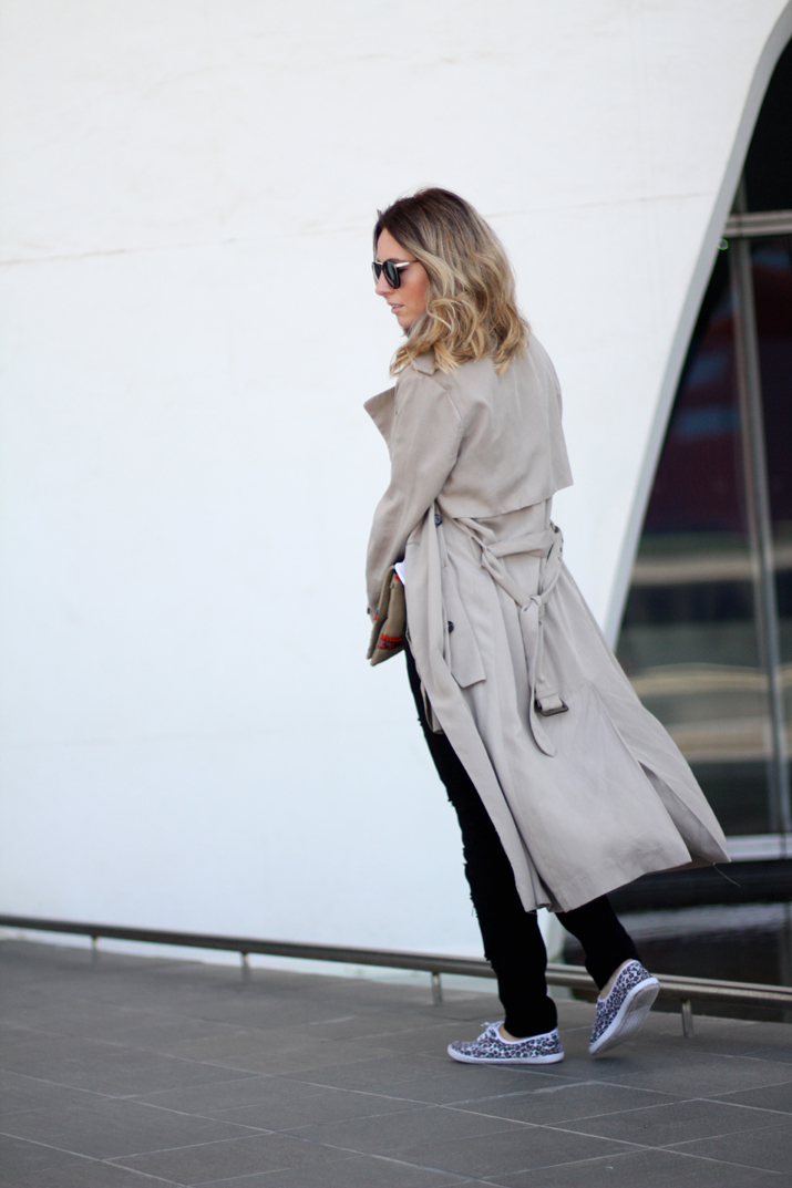 Long_trench_coat_Zara-outfit-fashion_blogger_Barcelona-Monica_Sors (1)