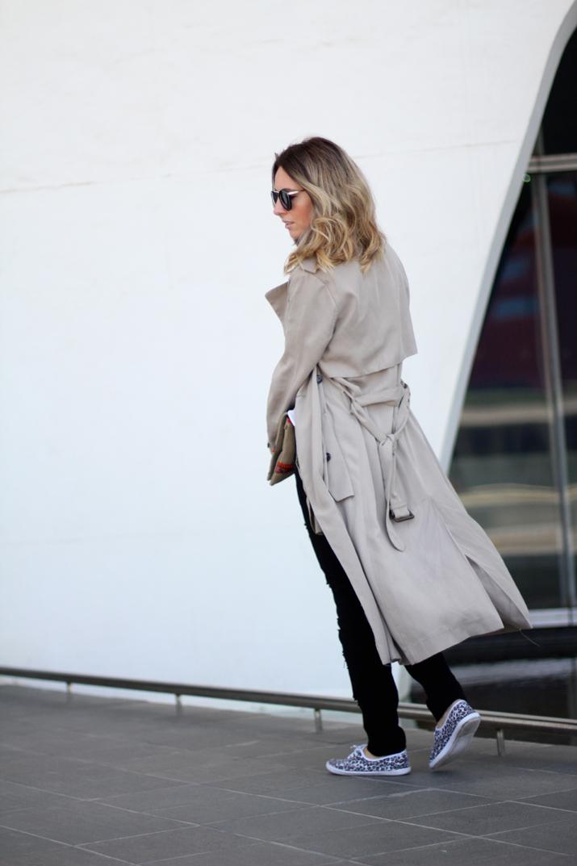Long_trench_coat_Zara-outfit-fashion_blogger_Barcelona-Monica_Sors (1)