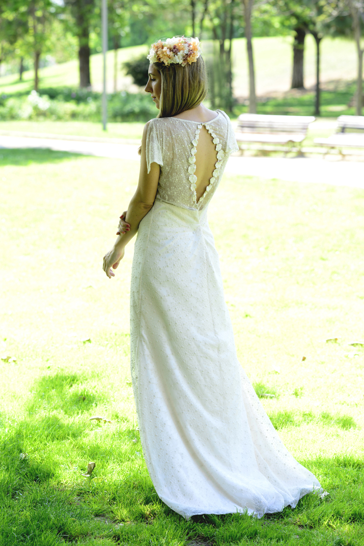 Otaduy wedding dress open back